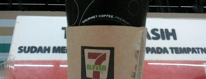 Seven Eleven Dr. Satrio is one of List Kuliner Jakarta.