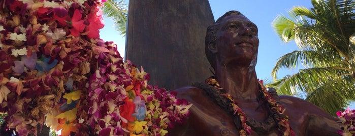 デューク・カハナモク像 is one of The Best of Waikiki.