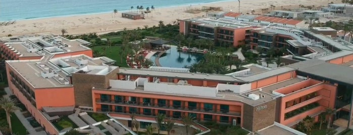 Hilton Cabo Verde Sal Resort is one of สถานที่ที่ Celia ถูกใจ.
