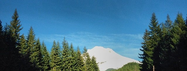Big Bear Lodge is one of Portland.