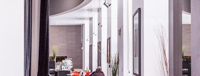 Restaurant du MAC is one of Lugares guardados de Michael.