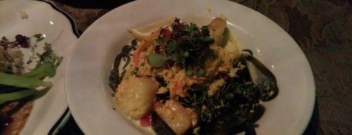 Loring Pasta Bar is one of Eugenia : понравившиеся места.