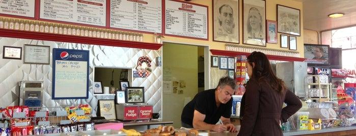 Peninsula Creamery is one of Michael'in Kaydettiği Mekanlar.