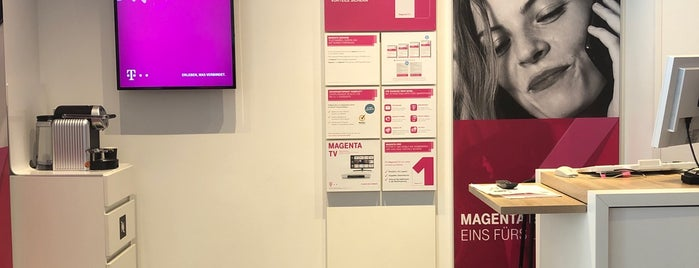 Telekom Shop Berlin Mitte is one of Stefanさんのお気に入りスポット.