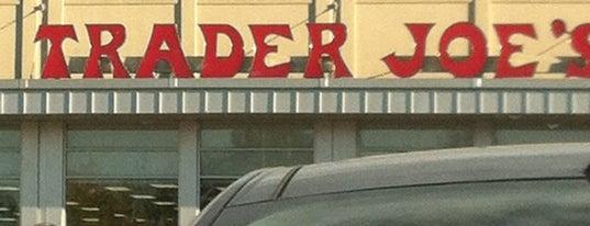 Trader Joe's is one of Kim'in Beğendiği Mekanlar.
