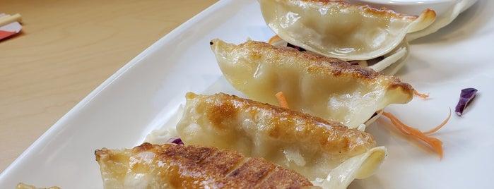 Khong Thai Cuisine is one of Tempat yang Disukai Laurel.