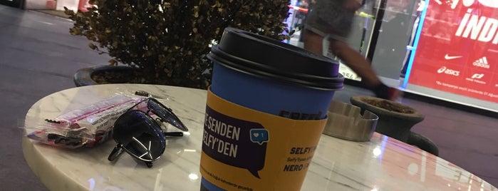 Caffè Nero is one of Tacan'ın Beğendiği Mekanlar.