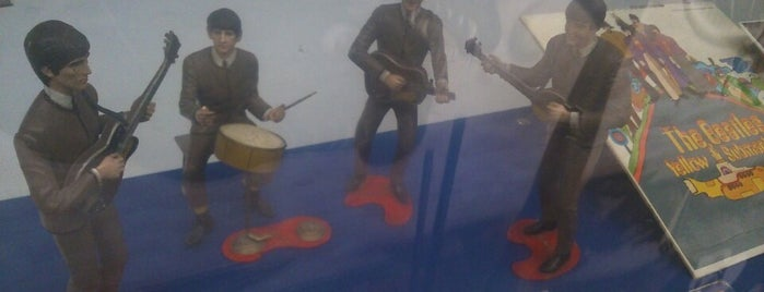 exposicion the beatles is one of Beatles DF.