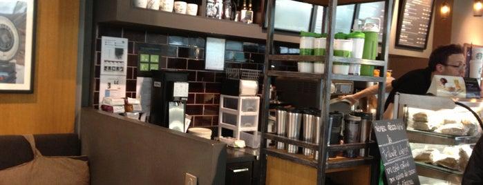 Starbucks is one of Orte, die Phanie gefallen.