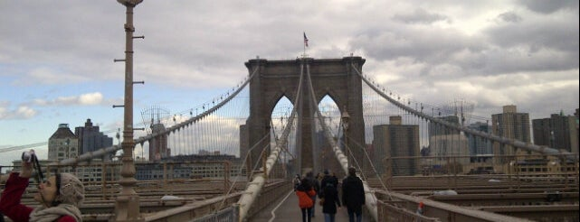 Ponte do Brooklyn is one of New York City.