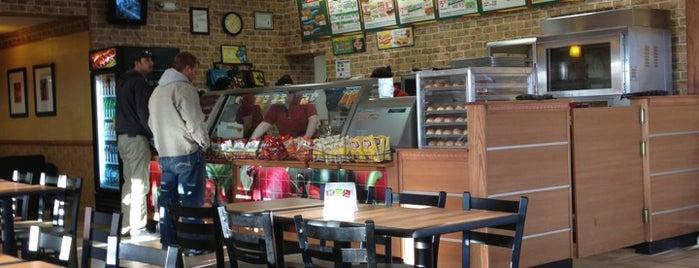 Subway is one of Lugares favoritos de Tiffany.