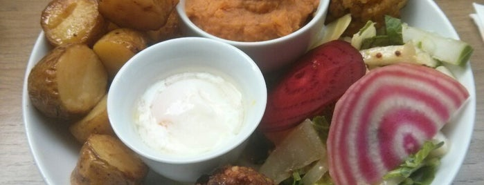 Café Pinson is one of Paris food.