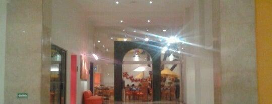 La Huerta Restaurant is one of Posti che sono piaciuti a Katia.