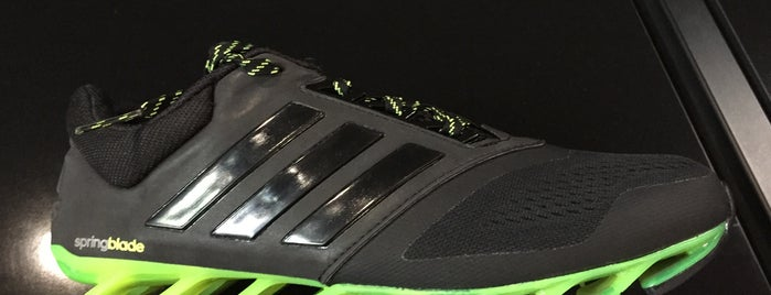 Adidas Batman is one of Selahaddin Eyyubi 님이 좋아한 장소.