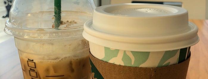 Starbucks is one of Locais curtidos por Orlando.