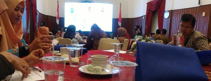Kementerian Keuangan RI is one of Posti che sono piaciuti a Fadlul.