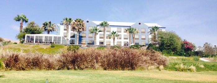 Hotel NH Iquique is one of Orte, die Ely gefallen.