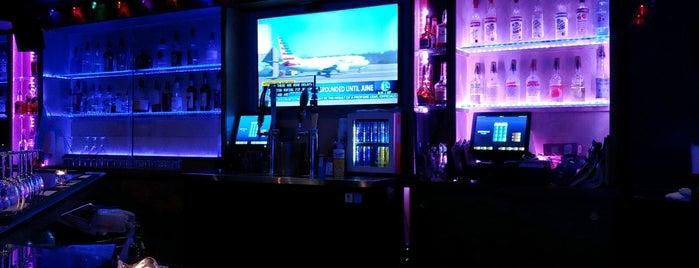 Bar X is one of Lugares favoritos de Carlie.