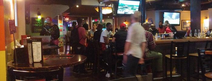 Tabu Lounge & Sports Bar is one of Posti che sono piaciuti a Sandy.