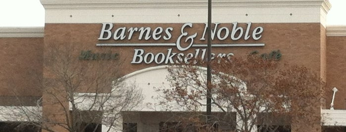 Barnes & Noble is one of Orte, die Catheryne gefallen.