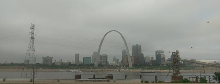 Gateway Arch is one of Route 66.
