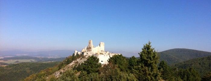 Čachtický hrad is one of สถานที่ที่ Zuzana ถูกใจ.