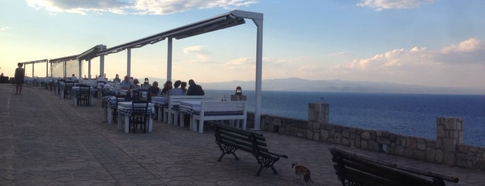 Οινοχόη Wine Bar is one of Greece 2.