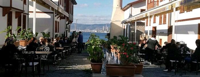 Yalı Evleri is one of Orte, die Ahmet gefallen.