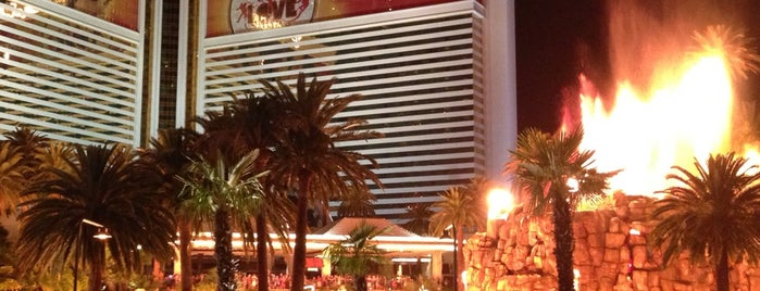 The Mirage Volcano is one of #Vegas Badges.