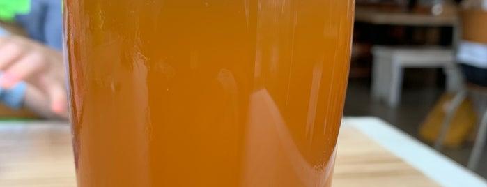 Field Brewing is one of Lugares favoritos de David.