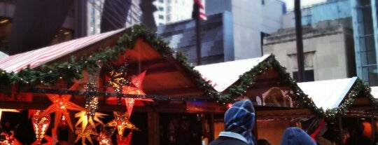 Christkindlmarket is one of Con.