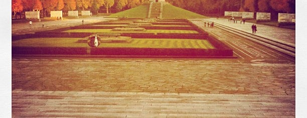 Sowjetisches Ehrenmal im Treptower Park is one of History in Berlin.