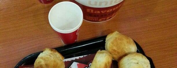 KFC is one of mehmetniyazi'nin Beğendiği Mekanlar.