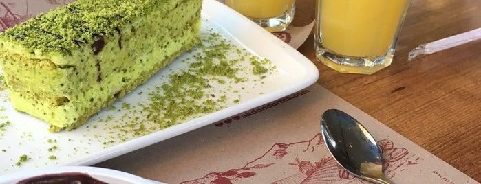 Akdo Dondurma&Pasta&Cafe is one of Gaziantep.