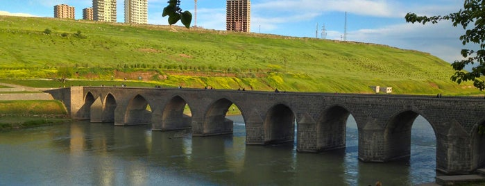 On Gözlü Köprü is one of Diyarbakir.