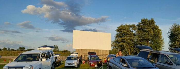 Highway 61 Drive-in is one of TAKE ME TO THE DRIVE-IN, BABY.