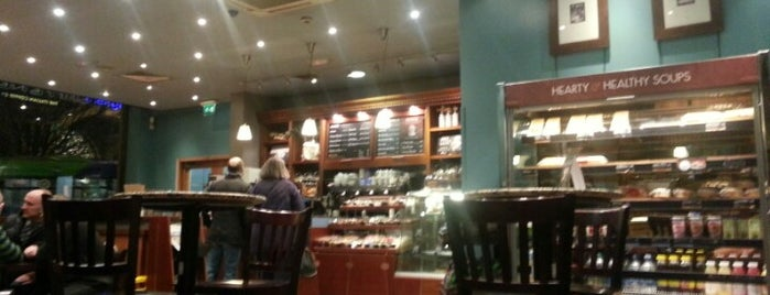 Caffè Nero is one of Richさんのお気に入りスポット.
