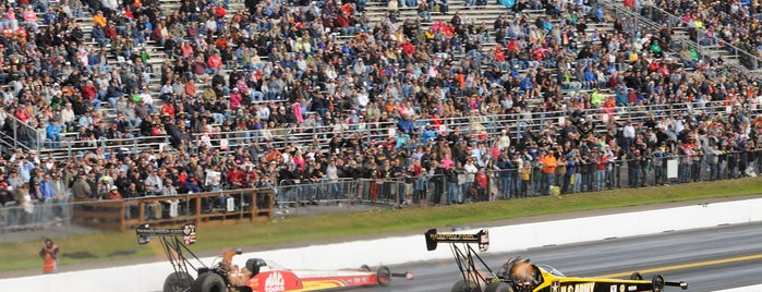 Maple Grove Raceway is one of Fan-Friendly PA.