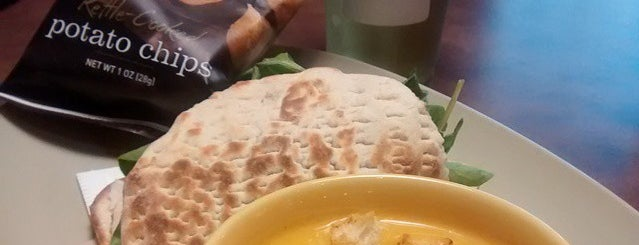 Saint Louis Bread Co. is one of Posti che sono piaciuti a B David.