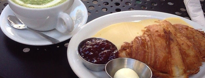 Urth Caffé is one of ロサンゼルスの美味しいカフェ.