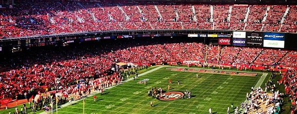 Candlestick Park is one of Locais curtidos por Brian.