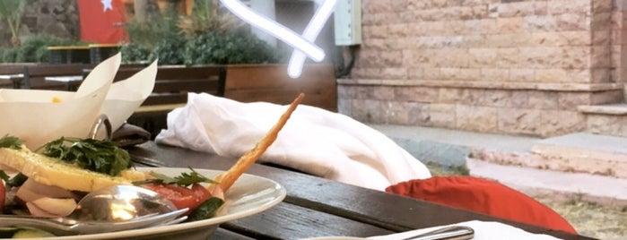 Uno Restaurant is one of S'ın Beğendiği Mekanlar.