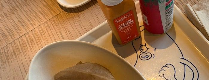 Beefsteak is one of Locais salvos de Kerry Lynn.
