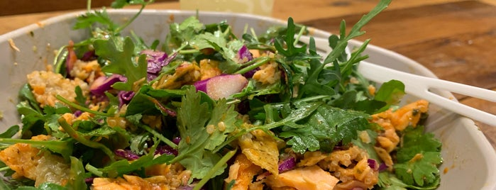 sweetgreen is one of Lugares guardados de Greg.