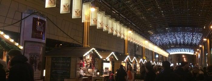 Advent-Genussmarkt bei der Oper is one of Vienna.