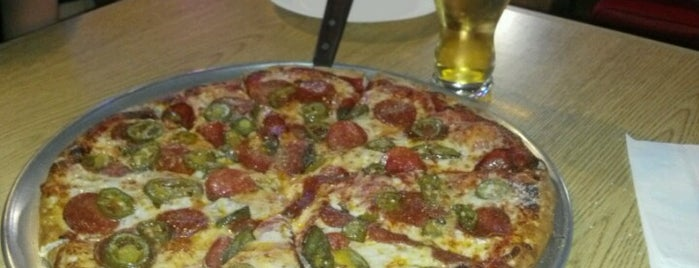Lamppost Pizza is one of Thousand Oaks/Moorpark/Simi Valley dinner & drinks.