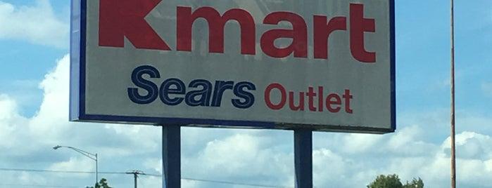 Kmart is one of สถานที่ที่ Dawn ถูกใจ.