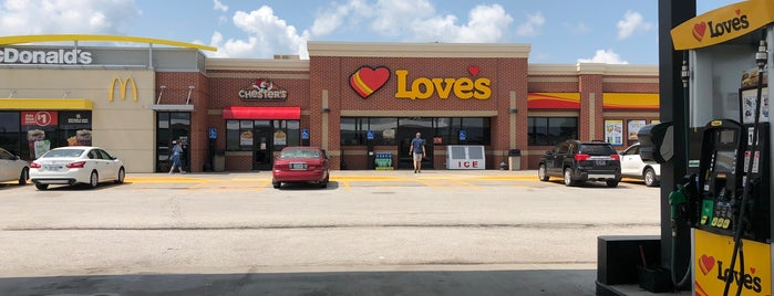 Love's Travel Stop is one of Lugares favoritos de Ray L..