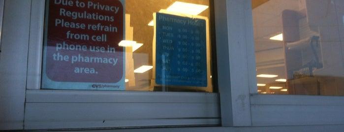 CVS pharmacy is one of Orte, die Tanya gefallen.