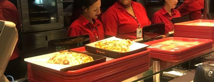 Pizza Hut is one of Lugares favoritos de Marcos.